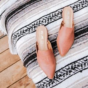 Mi.iM | 'Taylor' Pointed-Toe Leather Mules